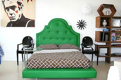 кровать зеленого цвета